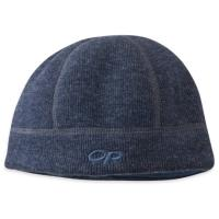 A do-everything hat is designed with a wool exterior and soft, comfy fleece lining to hold in warmth